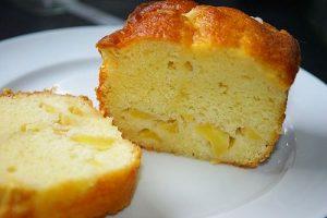 Gâteau aux petits suisses aux pommes et à la banane
