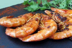Gambas grillées, légumes d'antan rôtis et crème de balsamique